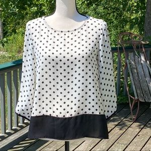 ANTHROPOLOGY /W5 cream blouse with blk polka dots.